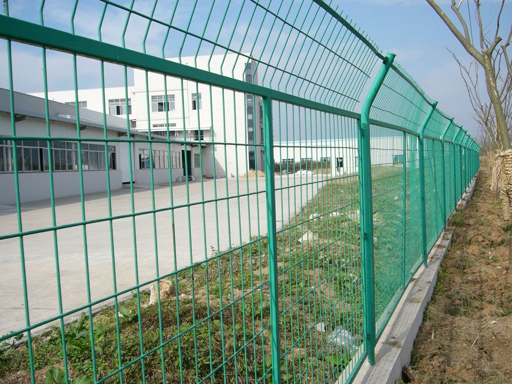 China Wire Fence Supplier Wire Mesh Sheet Manufacturer
