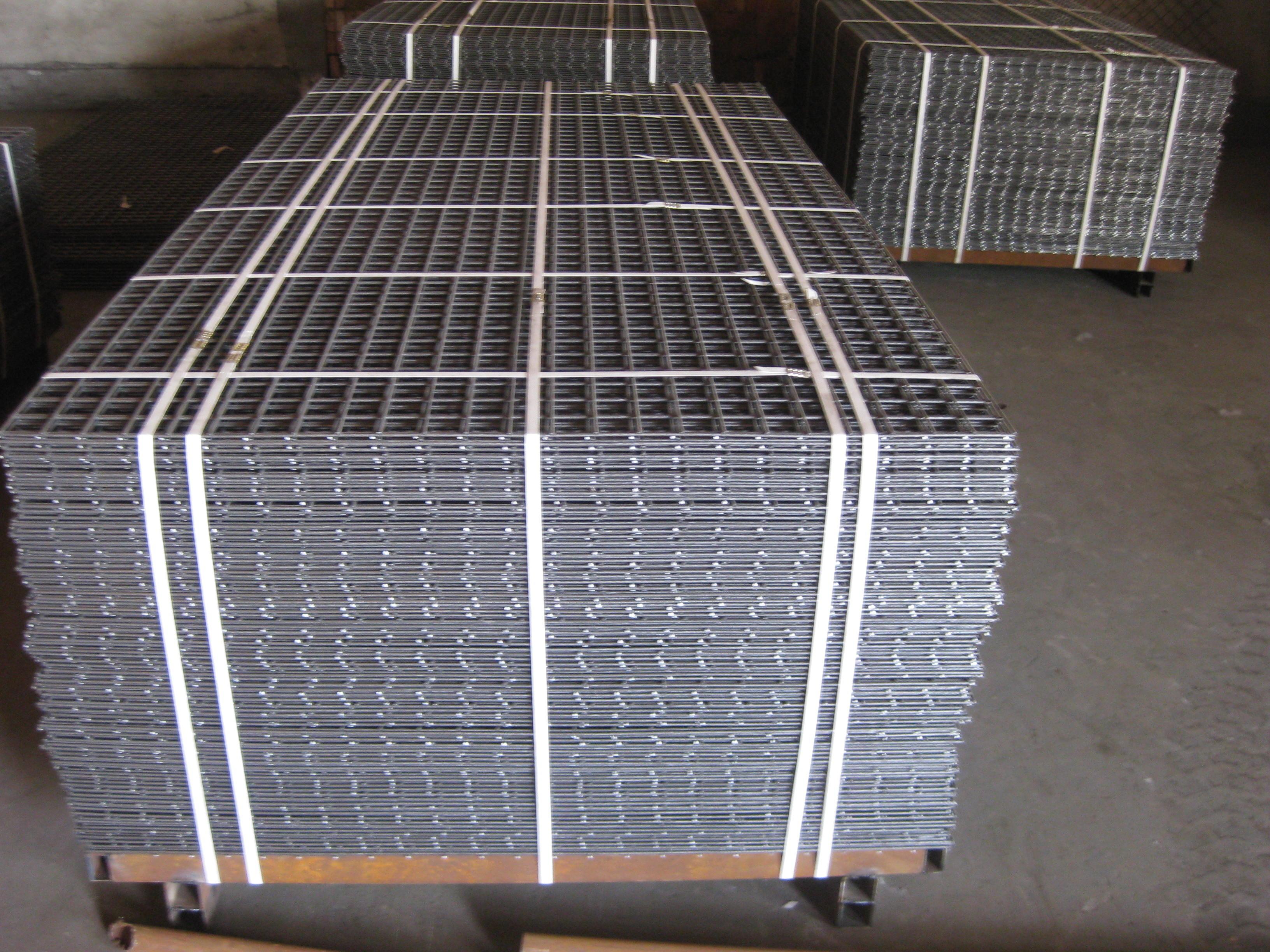 Welded Wire Mesh : Welded wire mesh sheet panel